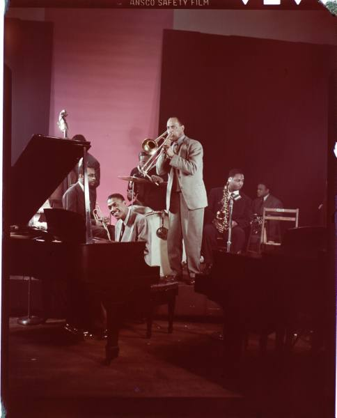 Muggsy Spanier And His Jazz Band - Relaxin' At The Touro - 1952