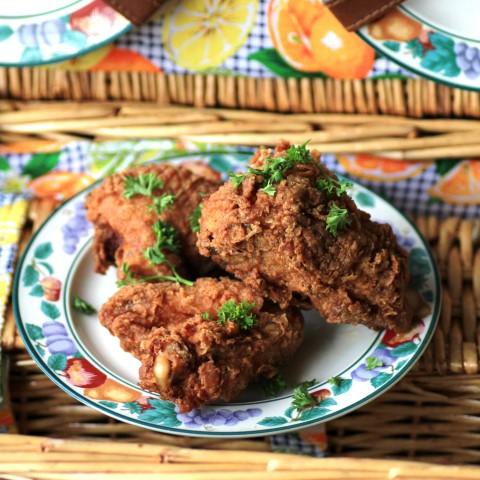 Picnic-Basket-Buttermilk-Fried-Chicken