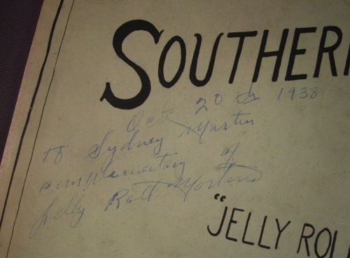 SOUTHERN TOWN signature