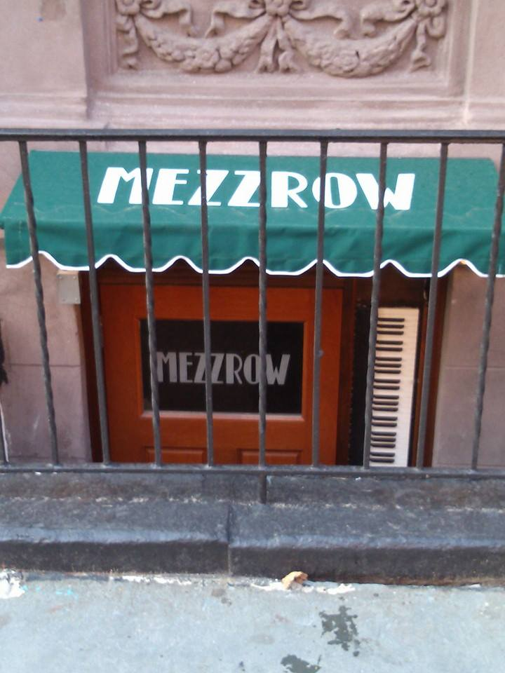 MEZZROW door